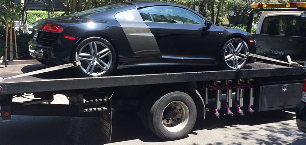 Affordable towing services in Encino